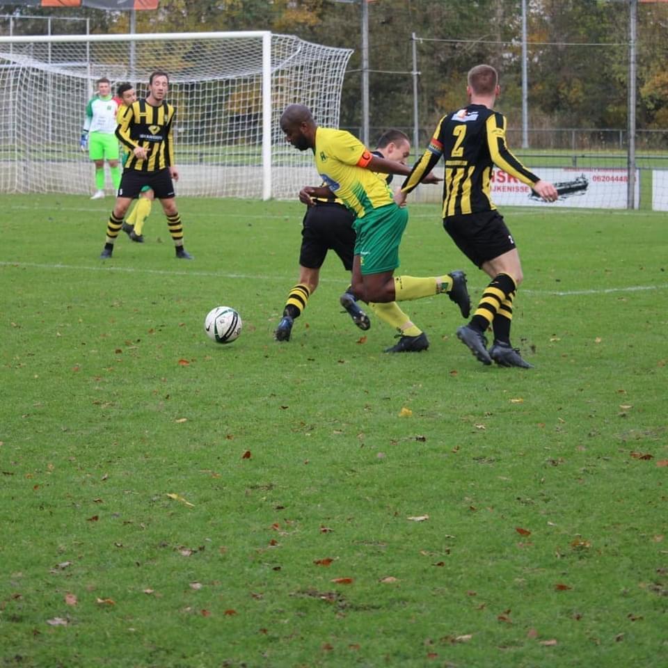 VFC (za) verslaat directe concurrent Rijnmond HS